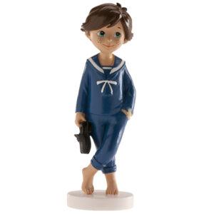 Kakteopp konfirmasjon - gutt med brunt hår og matrosdress
